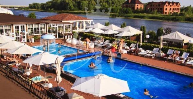 Гостиница «Риверсайд» - открытый бассейн
