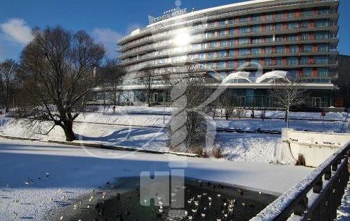 Гостиница «Crystal House Suite Нotel & SPA»