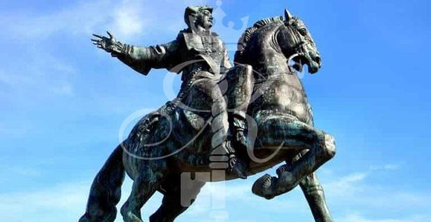 фото памятник елизавете петровне